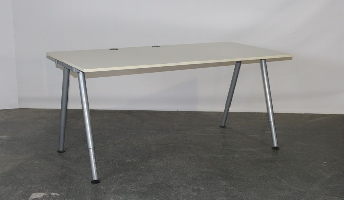 Verrassend Ikea - tweedehands bureau - instelbaar - 160 x 80 cm - grijs - wit OM-82